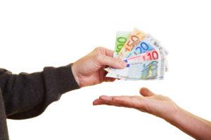 Wollen Sie Ihre Lebensversicherung rückabwickeln, erhalten Sie meist die eingezahlten Beiträge und Zinsen zurück.