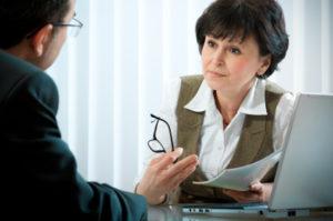 Um Ihre Risikolebensversicherung zu widerrufen, können Sie mit Ihrem Versicherer reden oder einen Blick in die Police werfen.