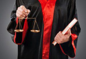 Der Rückkaufswert, den Sie mindestens erhalten, kann gesetzlich geregelt sein.